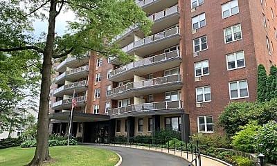Summit Apartments, 1