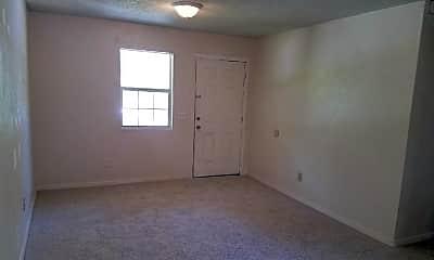 Living Room, 713 Cedar St, 2