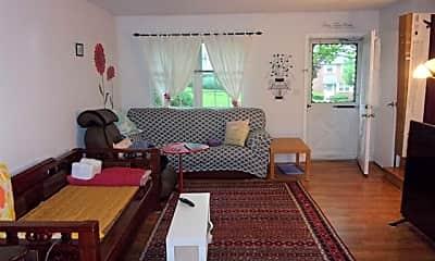 Living Room, 120 Parkview Dr, 1