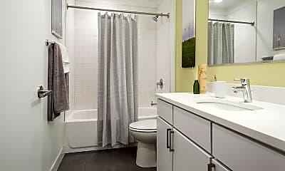 Bathroom, City Hyde Park, 2