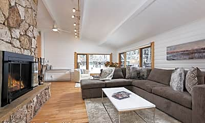 Living Room, 411 Pearl Ct, 0