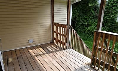 Patio / Deck, 1020 Coulter St, 2