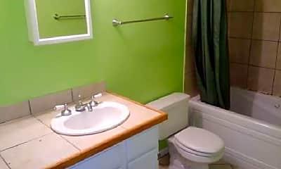 Bathroom, 5113 N East River Rd, 1