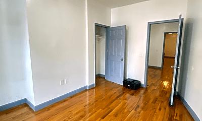 Living Room, 617 Bramhall Ave, 2