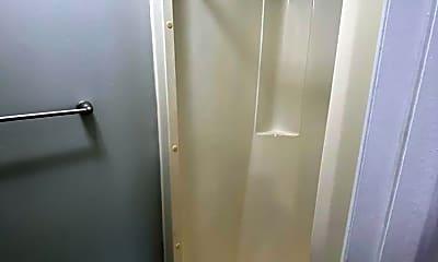 Bathroom, 5301 Stonehedge Dr, 2