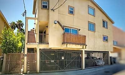Building, 6446 Woodley Ave, 2