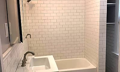 Bathroom, 518 George St, 2