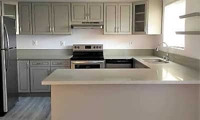 Kitchen, 875 Glenway Dr, 1