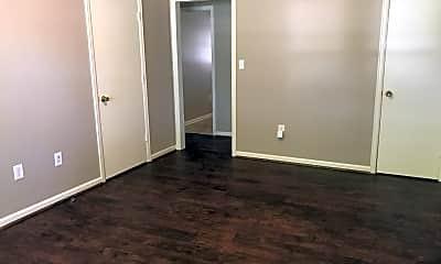 Bathroom, 1601 Wards Ferry Rd, 2