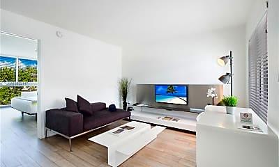 Living Room, 285 Sunrise Dr 210, 0