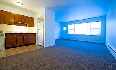 Living Room, 5019 W Jackson Blvd, 1