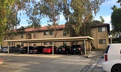 Royal Oaks Apartments, 0