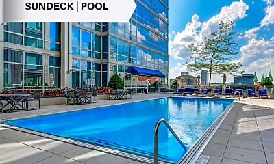Pool, 2 W Delaware Pl 1402, 2