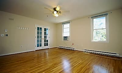 Living Room, 118 Willow Ave 3, 0