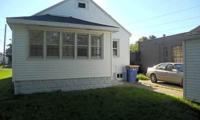 Building, 441 Spring Ave NE, 2
