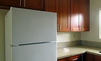 Kitchen, 943 Miller Ave, 1