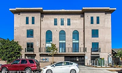 Building, 550 N. Hobart Blvd - 203, 0