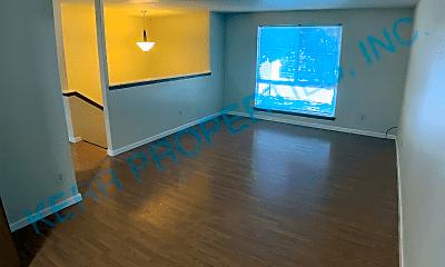 Living Room, 251 SE Kelly Ave, 1