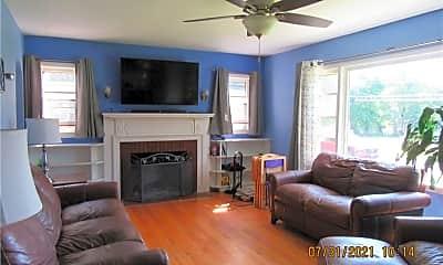 Living Room, 176 E Main St, 1