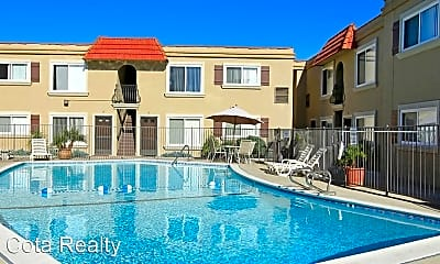 Pool, 4515 3rd St, 2