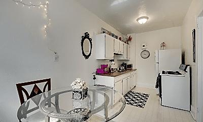 Living Room, 208 Western Ave N, 2