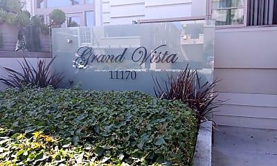 Grand Vista, 1