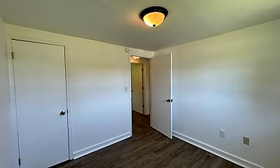 Bedroom, 16906 S Crater Rd, 1