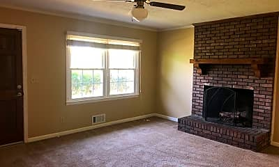 Living Room, 3307 Apache Cir, 2