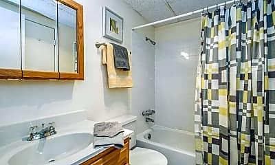Bathroom, Park Ridge Apartments, 2
