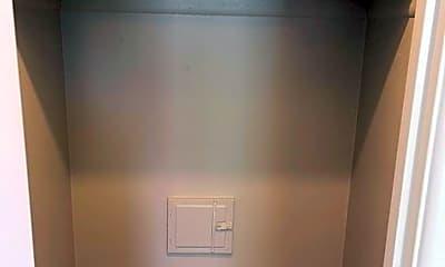 Bathroom, 1536 Vine St, 2