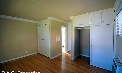 Bedroom, 605 N Hollywood Way, 1