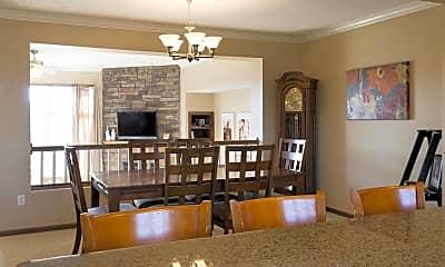 Living Room, 7001 Rose Dr, 0