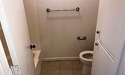 Bathroom, 2122 Rosaline Ave, 2