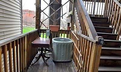 Patio / Deck, 1608 W North Ave, 2