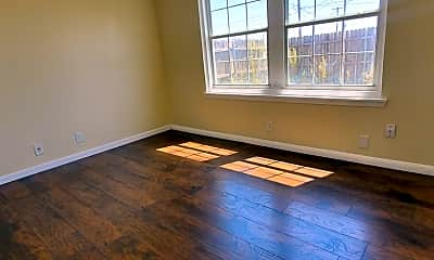 Living Room, 4701 W Illinois Ave, 2