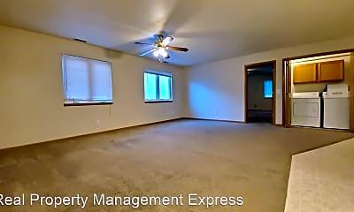 Living Room, 1410 E Redwood Blvd, 2