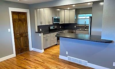 Kitchen, 200 Dartmouth Trail, 2