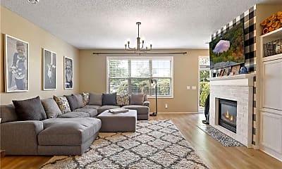 Living Room, 11015 Oakgrove Cir, 0