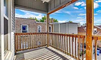 Patio / Deck, 2238 N Kimball Ave, 2