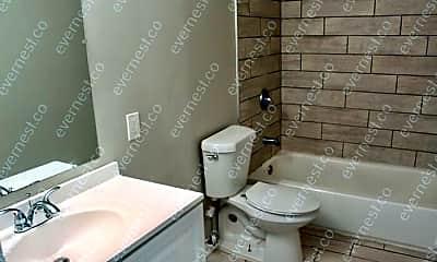 Bathroom, 117 Laurel St, 2