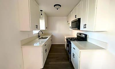 Kitchen, 2417 S Budlong Ave, 0