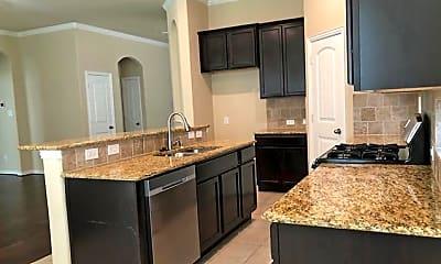 Kitchen, 2404 Griffith Park Dr, 1