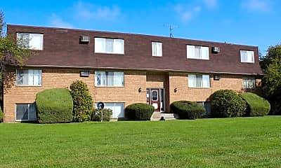 Building, Leslie Arms Apartments, 0
