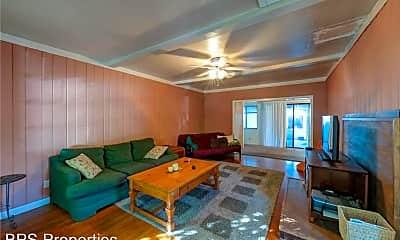 Living Room, 1447 Oleander Ave, 1