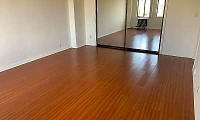 Living Room, 801 Gramercy Dr, 1