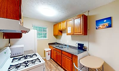Kitchen, Room for Rent - Lithonia Home, 1