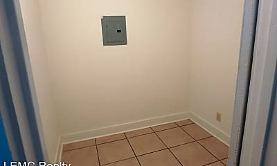 Bathroom, 2101 1st Ave, 2