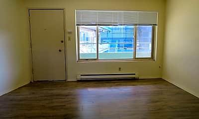 Living Room, 4200 S Webster St, 1