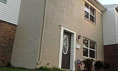 Building, 834 N Buckingham Ct, 1