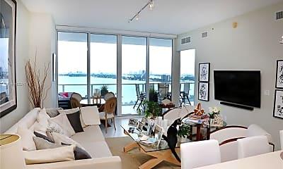 Living Room, 2020 N Bayshore Dr 1609, 1